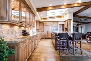 What Qualities are Common in Listings that Make Homes Great for Entertaining?